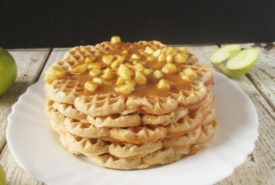 apple waffles with cinnamon