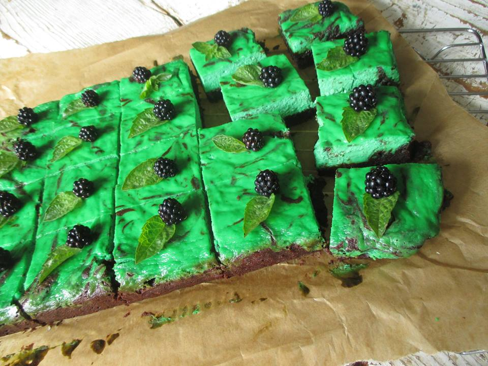 mint-brownie-cheesecake