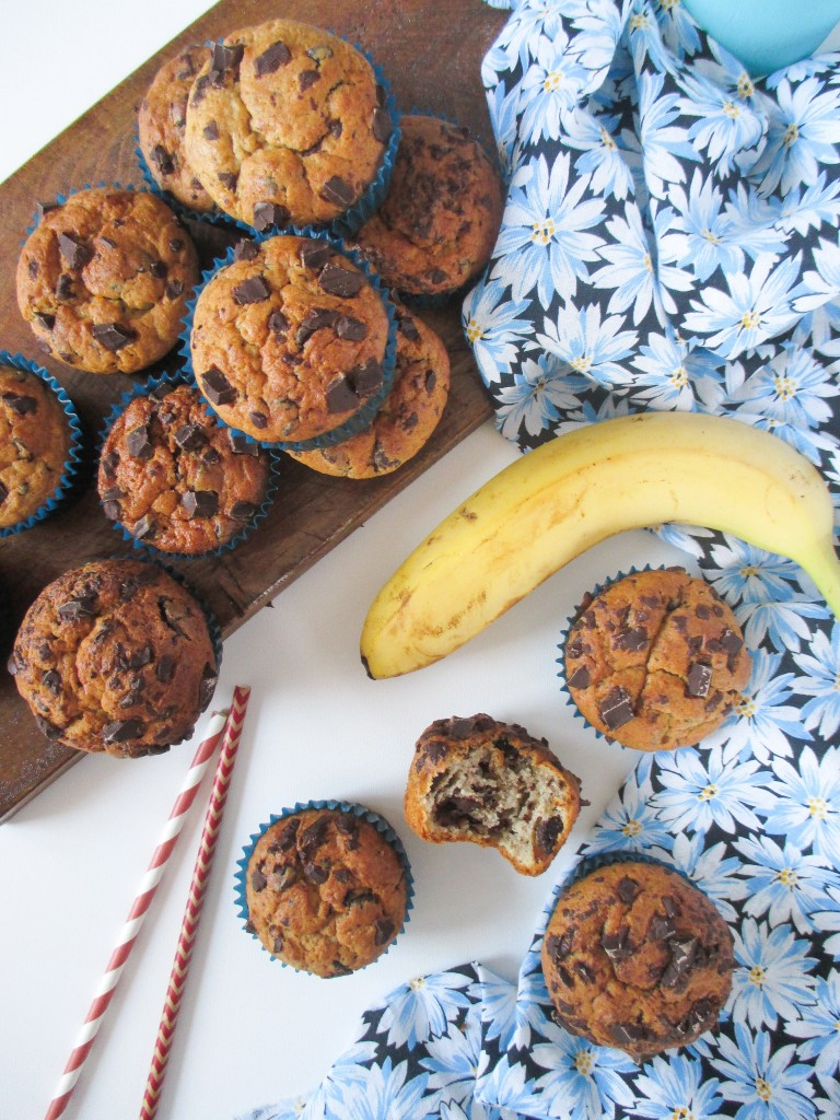 banana-muffin-with-peanut-butter-and-chocolate