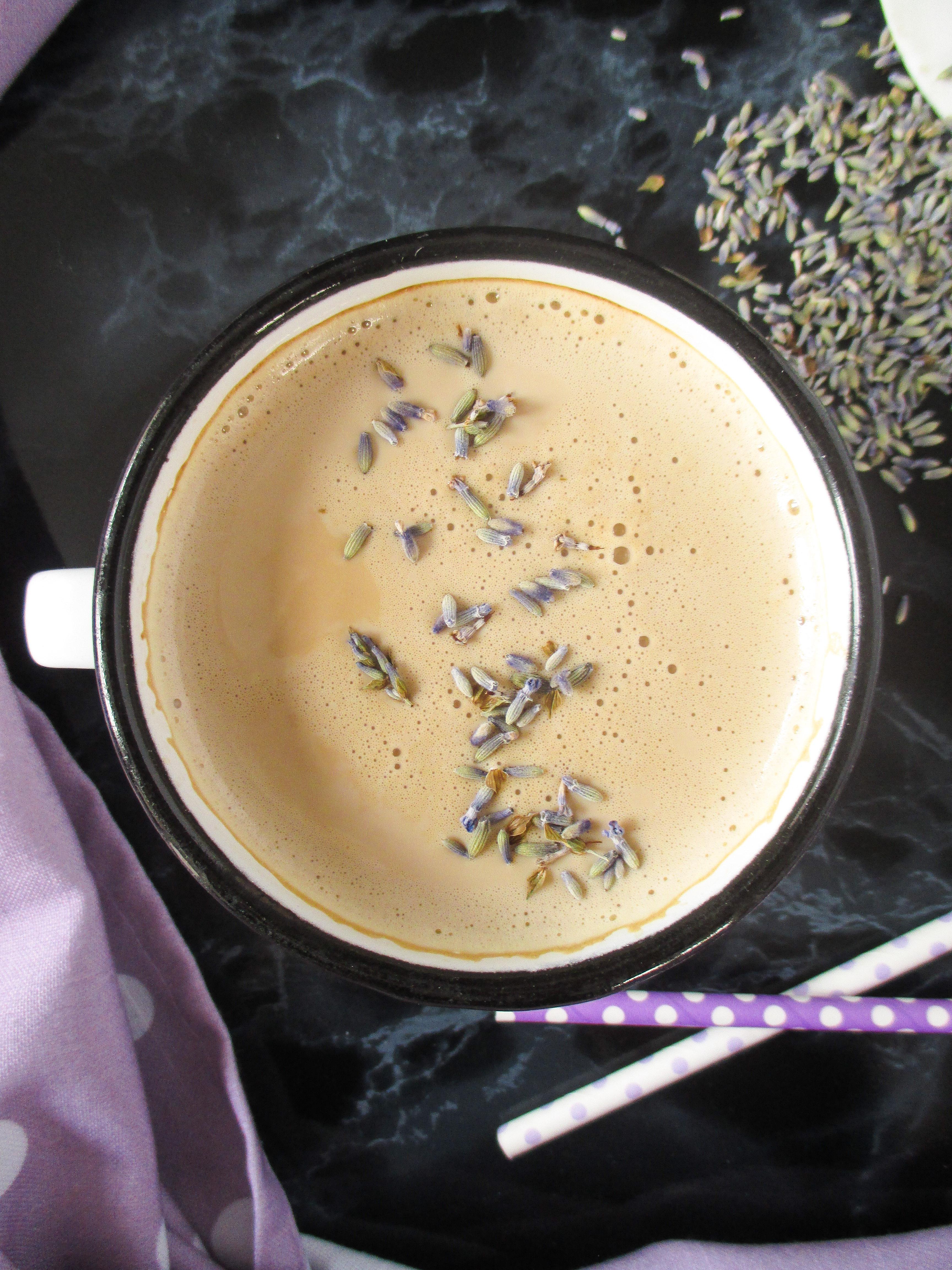 Levanduľové latte (bez kávovaru)