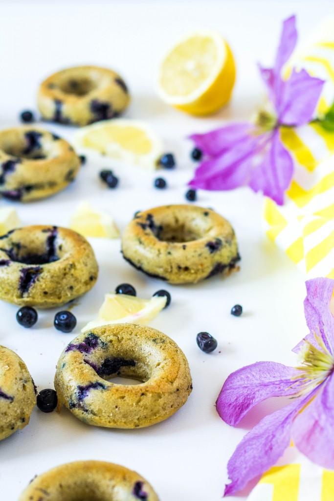 čučoriedkovo - citrónové donuty