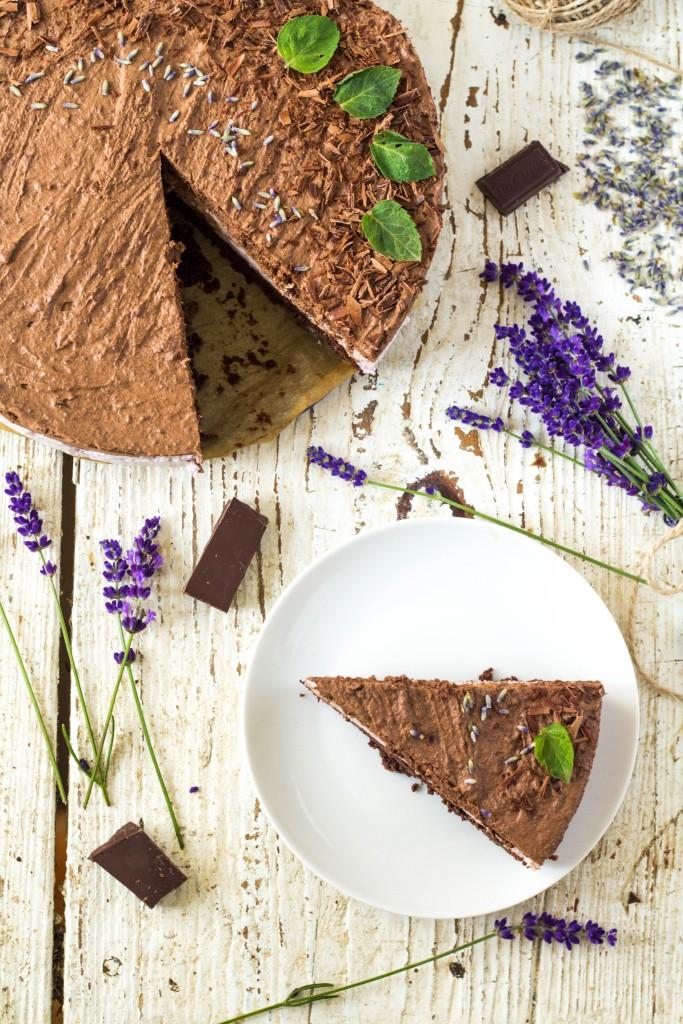 levanduľová torta s čokoládovým mousse