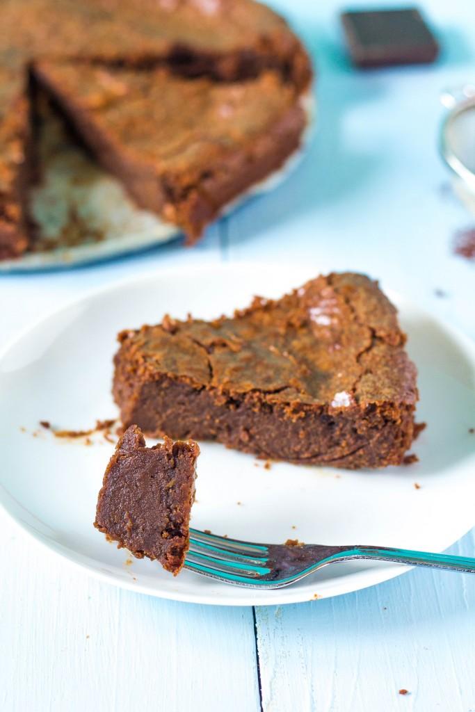 bezlepkový krémový čokoládový koláč