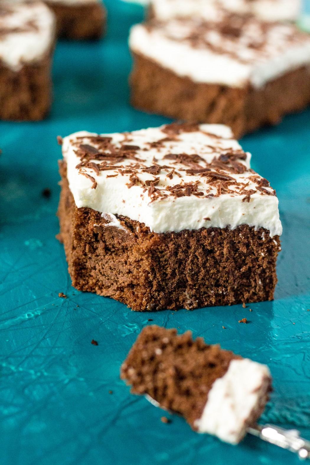 d8c318ff6b86a Čokoládový koláč s tvarohovým krémom