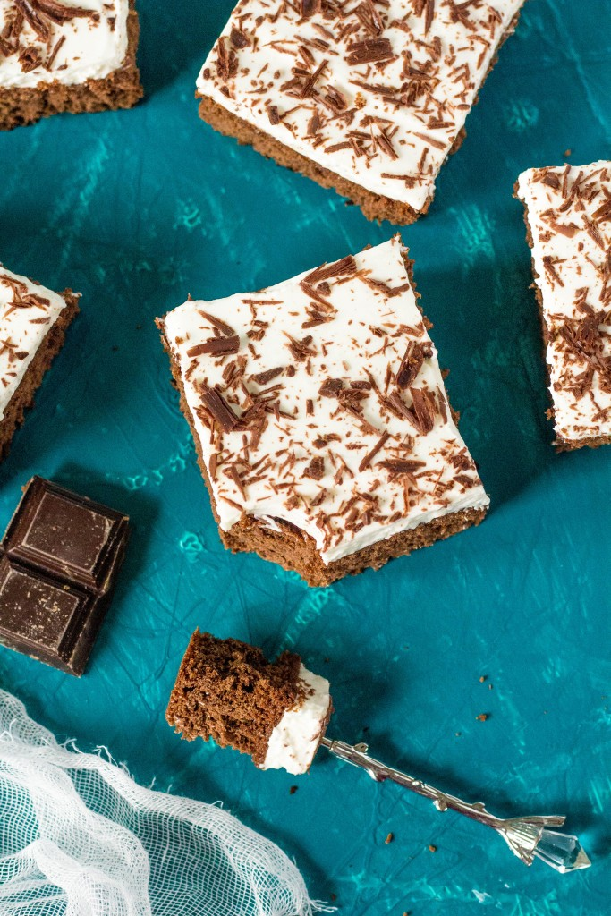 Čokoládový koláč s tvarohovým krémom