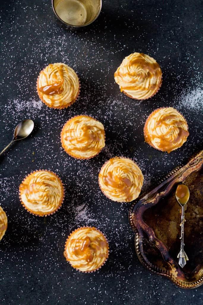 Cupcakes so slaným karamelom