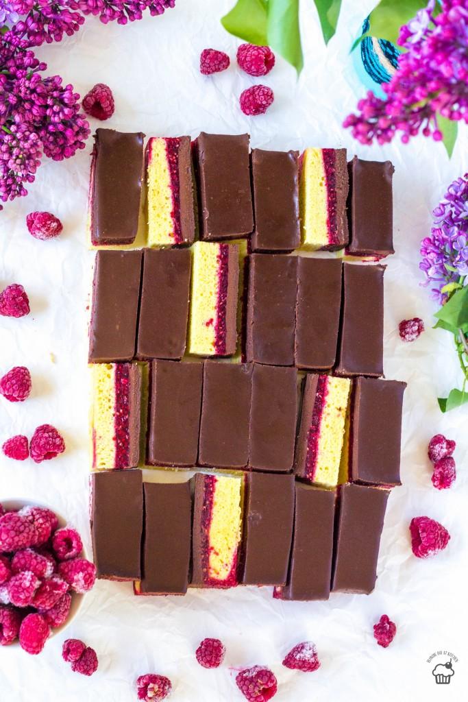 piškótové malinovo-čokoládové kocky