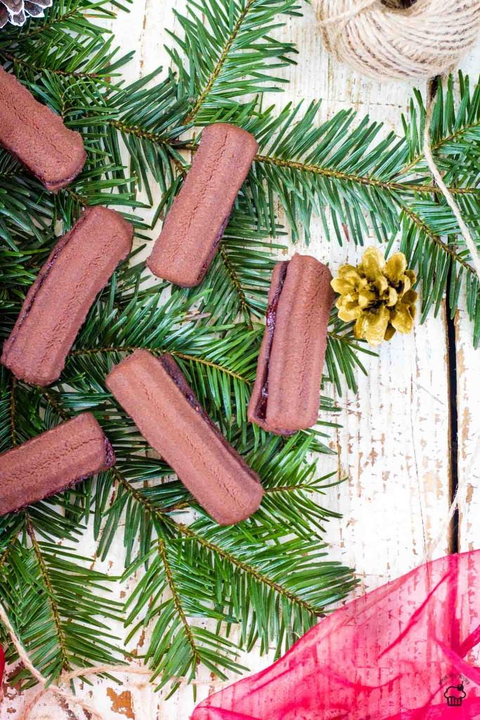 francúzske kakaové strojčekové pečivo s lekvárom
