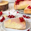 ríbezľový cheesecake s bielou čokoládou