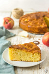 jednoduchý krémový jablkový koláč
