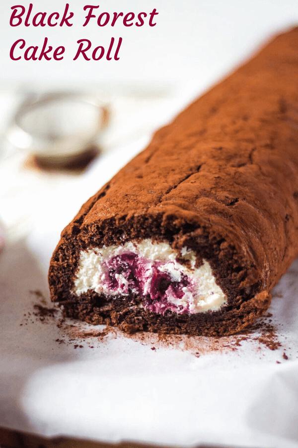 kakaová roláda s mascarpone a višňovou plnkou