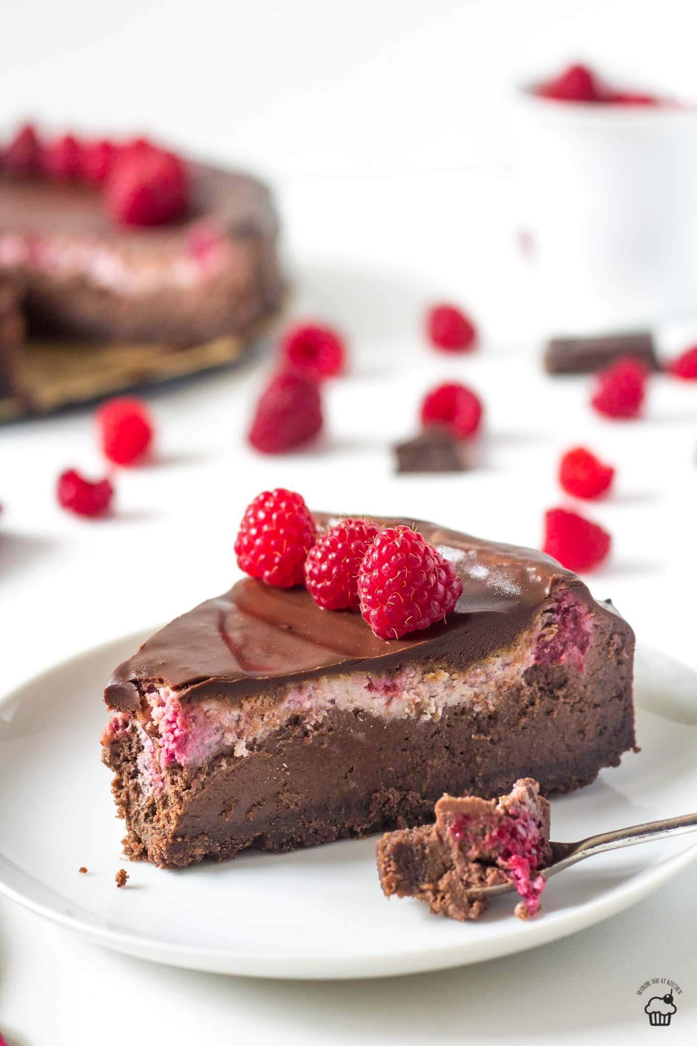 čokoládovo malinový pečený cheesecake