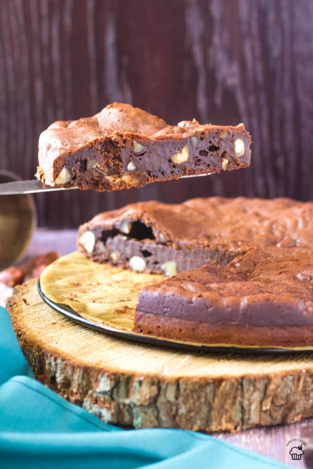 čokoládový koláč s lieskovcami a mascarpone